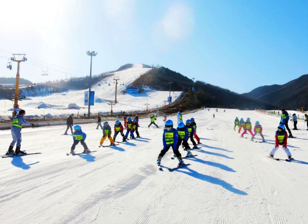 华山阿特艾斯室内滑雪场项目